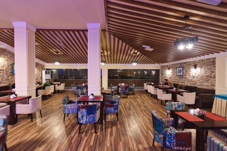 Pogostite.ru - Рива | Riva Hotel | Баку | Парковка #15