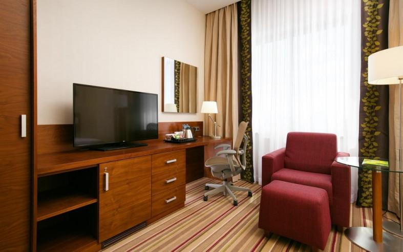 Pogostite.ru - Hilton Garden Inn Volgograd | Хилтон Гарден Инн Волгоград | Парковка #31