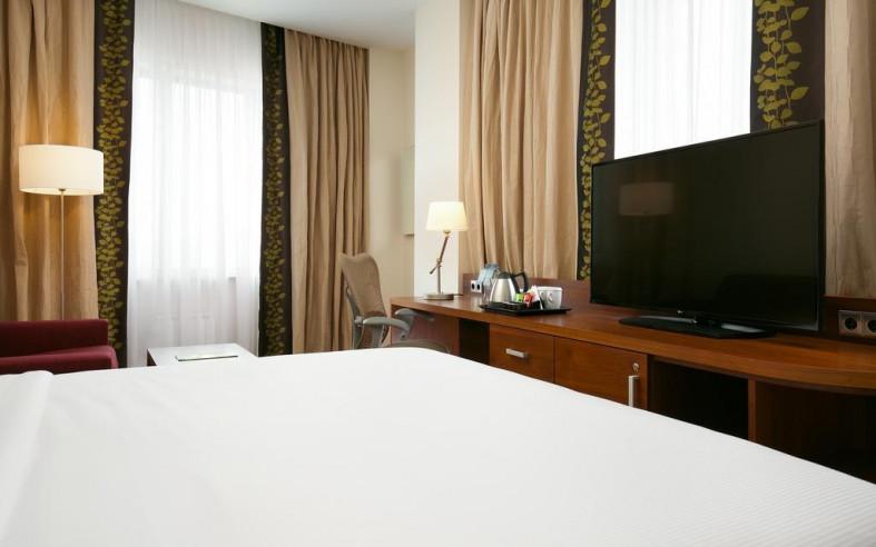 Pogostite.ru - Hilton Garden Inn Volgograd | Хилтон Гарден Инн Волгоград | Парковка #21