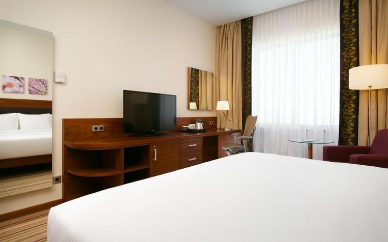 Pogostite.ru - Hilton Garden Inn Volgograd | Хилтон Гарден Инн Волгоград | Парковка #27