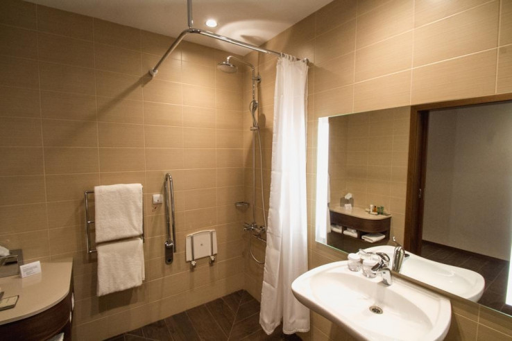 Pogostite.ru - Hilton Garden Inn Volgograd | Хилтон Гарден Инн Волгоград | Парковка #37