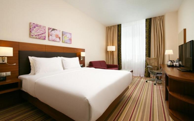 Pogostite.ru - Hilton Garden Inn Volgograd | Хилтон Гарден Инн Волгоград | Парковка #22