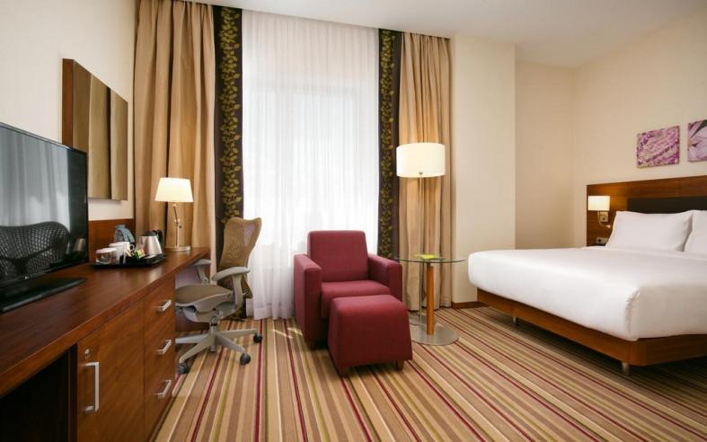 Pogostite.ru - Hilton Garden Inn Volgograd | Хилтон Гарден Инн Волгоград | Парковка #29