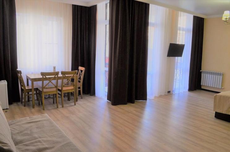 Pogostite.ru - Alpen House | Геленджик | Парковка #13