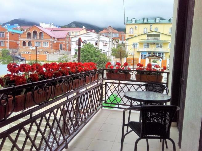 Pogostite.ru - Alpen House | Геленджик | Парковка #4