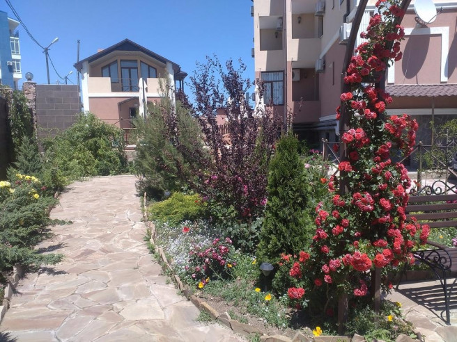 Pogostite.ru - Вилла Венеция | Севастополь | Парковка #5