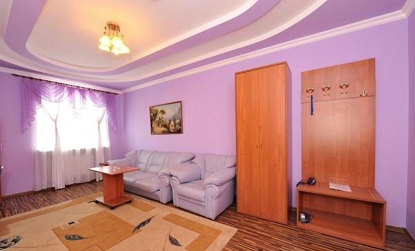 Pogostite.ru - Замок Франт Отель   пос. Городище   Парковка #32