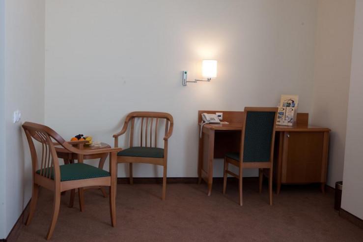 Pogostite.ru - Дом Отель Классик | Красноярск | Парковка #13