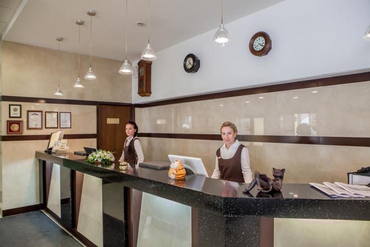 Pogostite.ru - Дом Отель Классик | Красноярск | Парковка #4