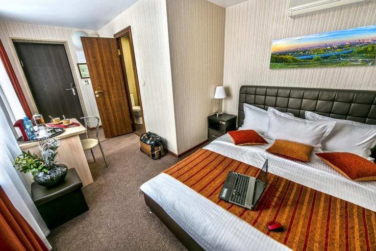 Pogostite.ru - СИТИ Отель | Новосибирск | Парковка #15
