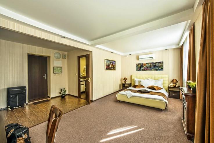 Pogostite.ru - СИТИ Отель | Новосибирск | Парковка #22