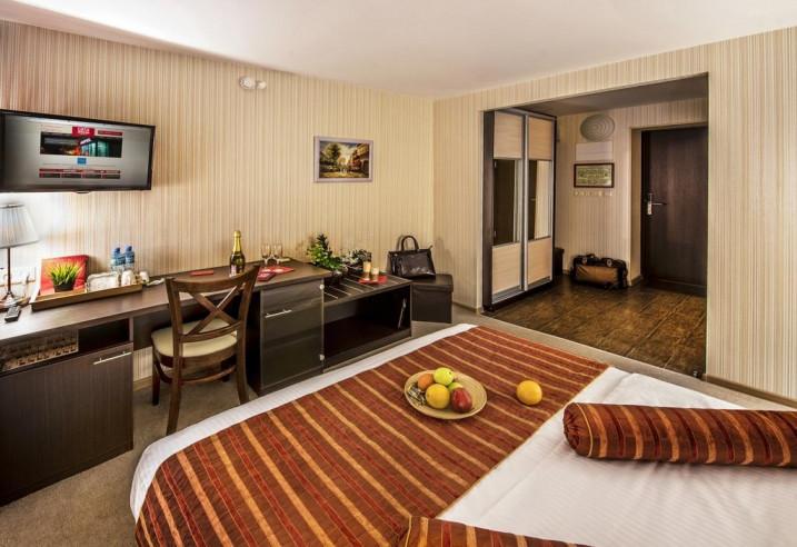 Pogostite.ru - СИТИ Отель | Новосибирск | Парковка #11