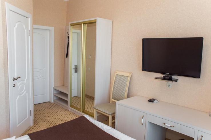 Pogostite.ru - Бутик-отель Корона | Краснодар | Парковка #11