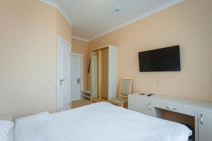 Pogostite.ru - Бутик-отель Корона | Краснодар | Парковка #20
