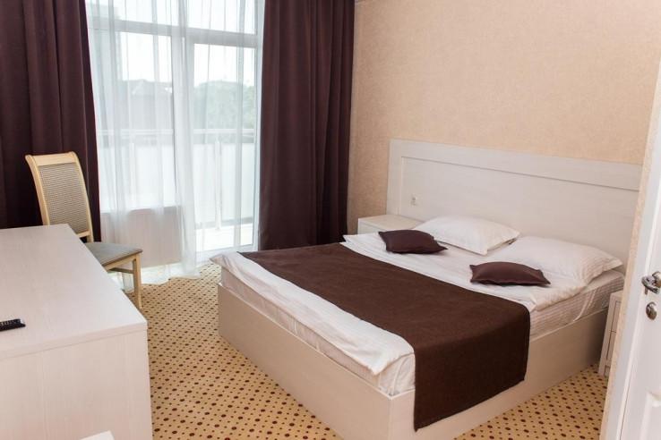 Pogostite.ru - Бутик-отель Корона | Краснодар | Парковка #13