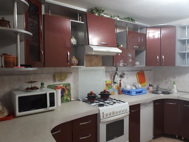 "Pogostite.ru - Гостевой дом и Хостел "" Дар"" | Майкоп | Парковка #3"