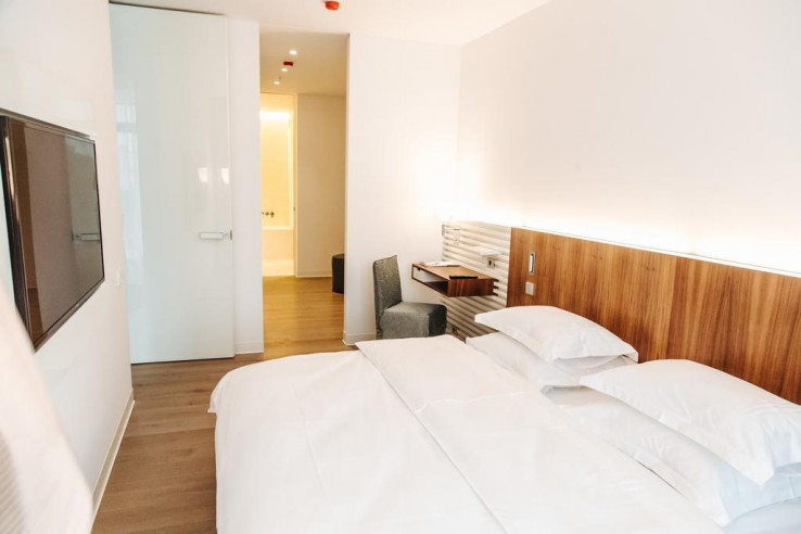 Pogostite.ru - Crystal House Suite Hotel & SPA | Кристалл Хаус Сьют Хотел & Спа | Калининград | Парковка #19