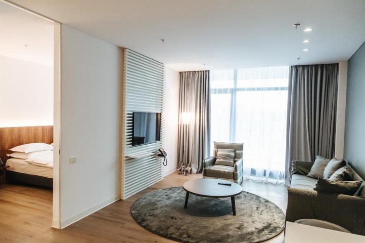Pogostite.ru - Crystal House Suite Hotel & SPA | Кристалл Хаус Сьют Хотел & Спа | Калининград | Парковка #21