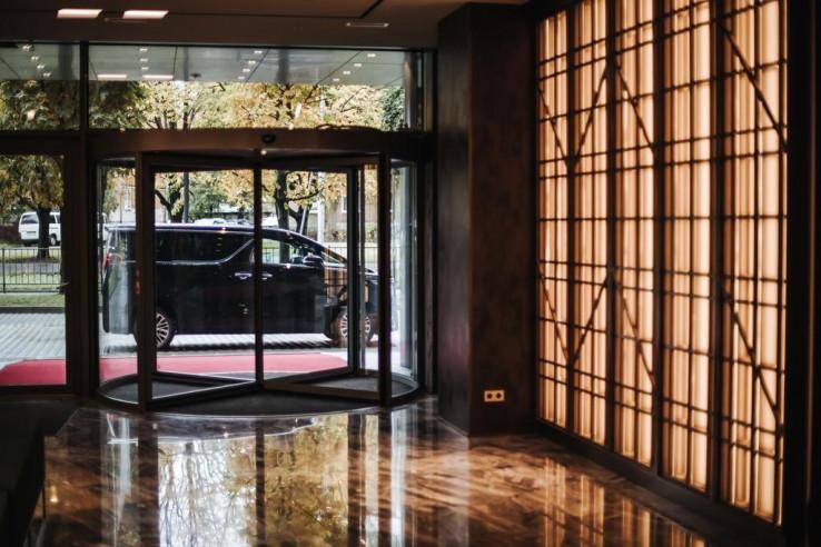 Pogostite.ru - Crystal House Suite Hotel & SPA | Кристалл Хаус Сьют Хотел & Спа | Калининград | Парковка #7