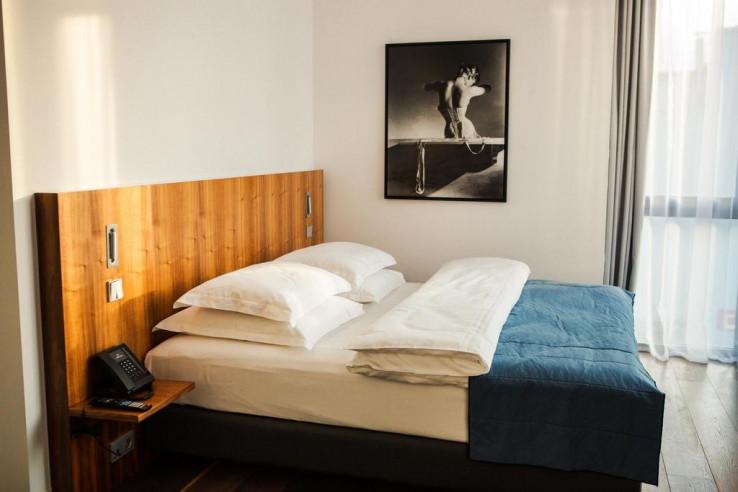 Pogostite.ru - Crystal House Suite Hotel & SPA | Кристалл Хаус Сьют Хотел & Спа | Калининград | Парковка #24