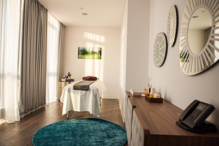Pogostite.ru - Crystal House Suite Hotel & SPA | Кристалл Хаус Сьют Хотел & Спа | Калининград | Парковка #25