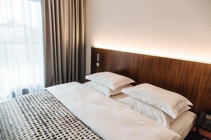 Pogostite.ru - Crystal House Suite Hotel & SPA | Кристалл Хаус Сьют Хотел & Спа | Калининград | Парковка #14
