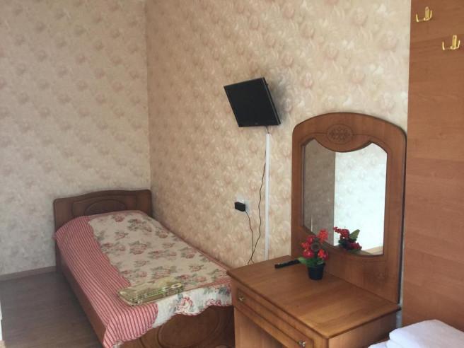 Pogostite.ru - Guama Guest House | Гостевой дом Гуама | Парковка #26