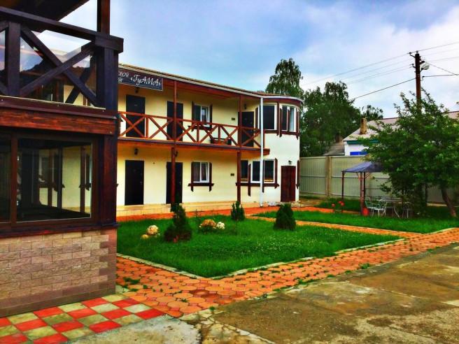 Pogostite.ru - Guama Guest House | Гостевой дом Гуама | Парковка #3