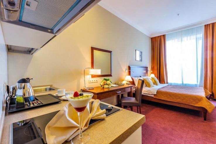 Pogostite.ru - Райкин Plaza Hotel | м. Марьина роща | Парковка #19