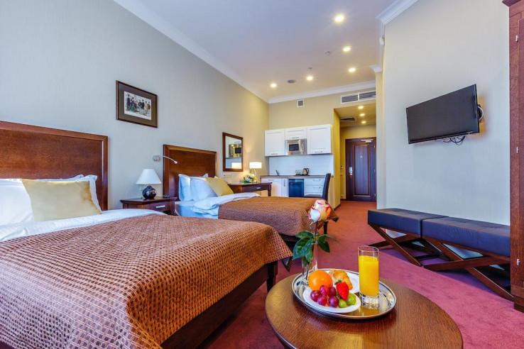 Pogostite.ru - Райкин Plaza Hotel | м. Марьина роща | Парковка #20