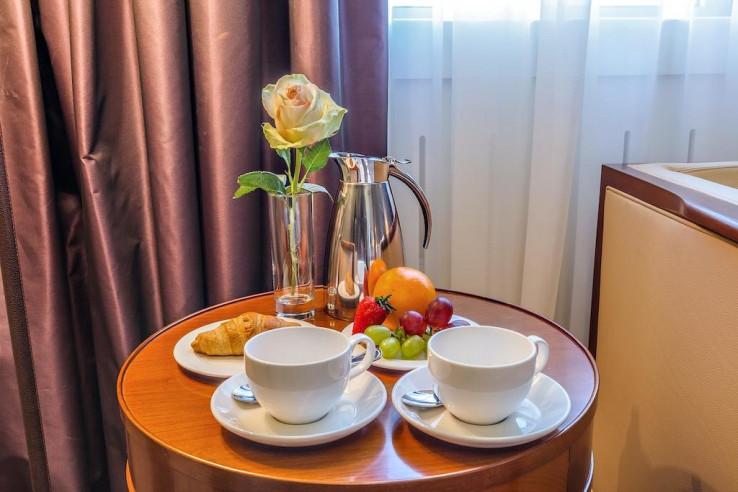 Pogostite.ru - Райкин Plaza Hotel | м. Марьина роща | Парковка #24