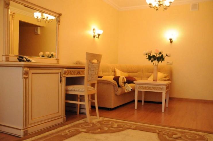 Pogostite.ru - ЧАЙКА отель | Тольятти | Парковка #15
