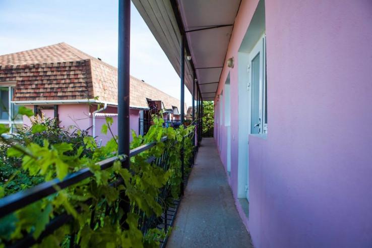 Pogostite.ru - Гостевой дом Башня | Севастополь | Парковка #8
