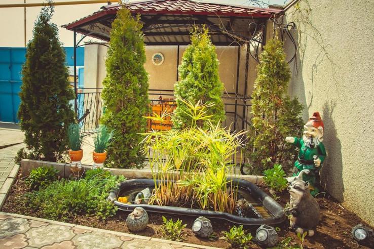 Pogostite.ru - Гостевой дом Башня | Севастополь | Парковка #12