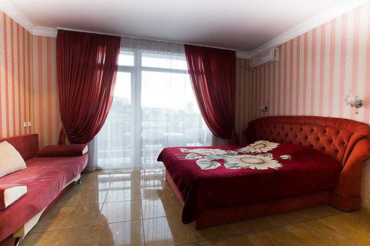 Pogostite.ru - Гостевой дом Багира | Севастополь | Парковка #16