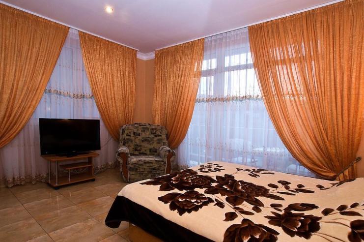 Pogostite.ru - Гостевой дом Багира | Севастополь | Парковка #19