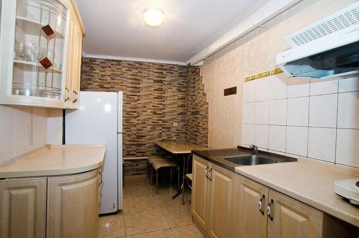 Pogostite.ru - Гостевой дом Багира | Севастополь | Парковка #21