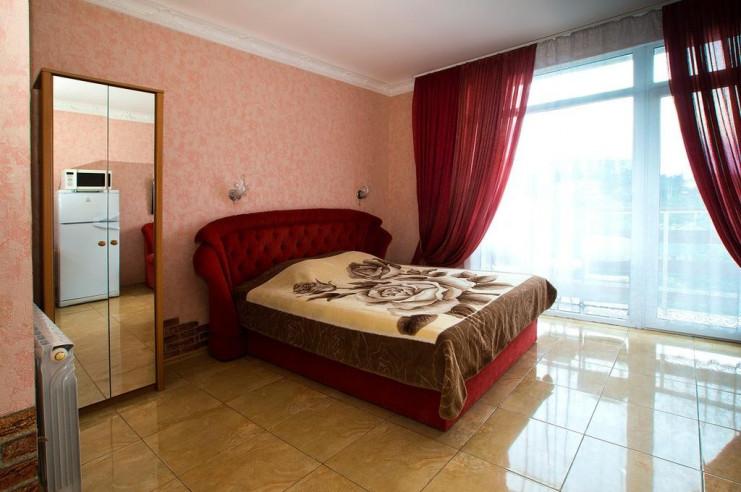 Pogostite.ru - Гостевой дом Багира | Севастополь | Парковка #22