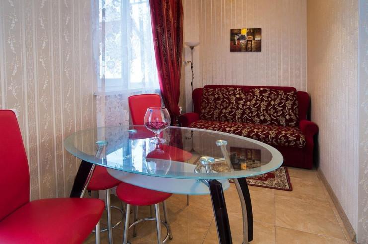 Pogostite.ru - Гостевой дом Багира | Севастополь | Парковка #23