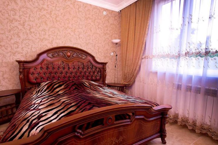 Pogostite.ru - Гостевой дом Багира | Севастополь | Парковка #24