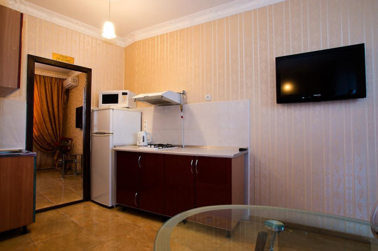 Pogostite.ru - Гостевой дом Багира | Севастополь | Парковка #12