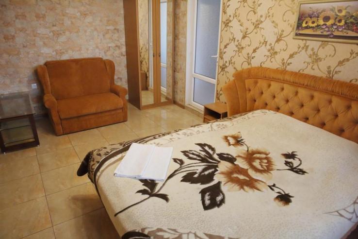 Pogostite.ru - Гостевой дом Багира | Севастополь | Парковка #26