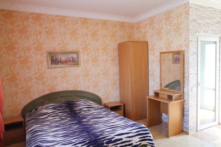 Pogostite.ru - Гостевой дом Багира | Севастополь | Парковка #27