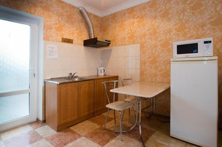 Pogostite.ru - Гостевой дом Багира | Севастополь | Парковка #11