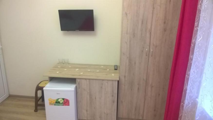 Pogostite.ru - Santa Sofia | Пицунда | 1 линия, c ванной и кондиционером | Парковка #15