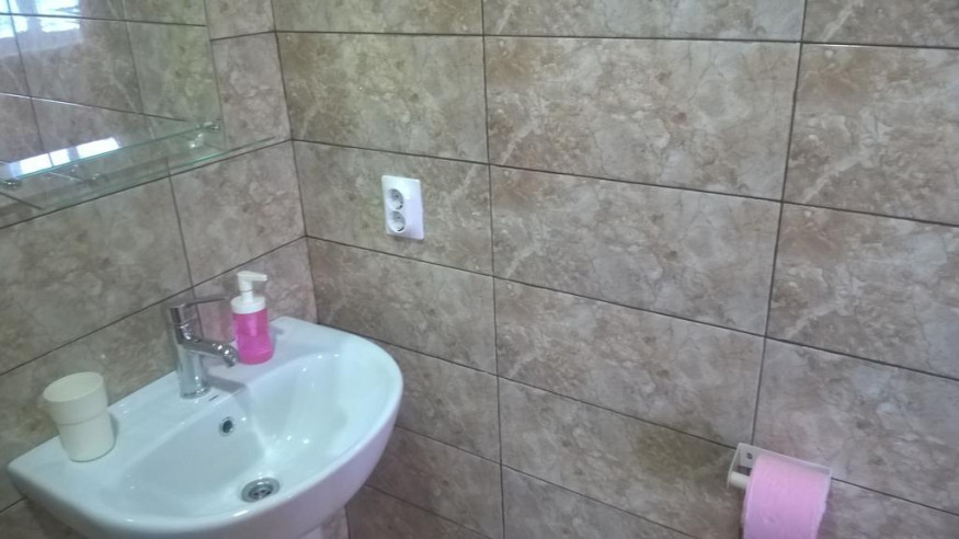 Pogostite.ru - Santa Sofia | Пицунда | 1 линия, c ванной и кондиционером | Парковка #18