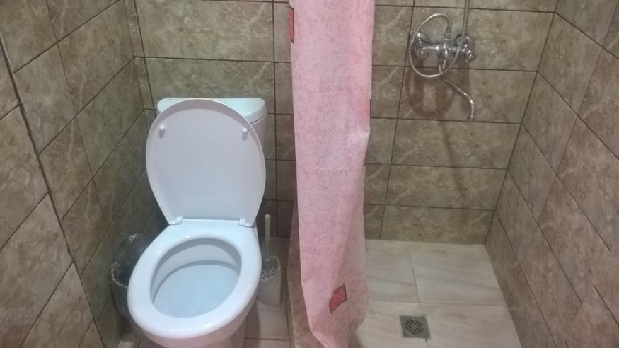Pogostite.ru - Santa Sofia | Пицунда | 1 линия, c ванной и кондиционером | Парковка #17