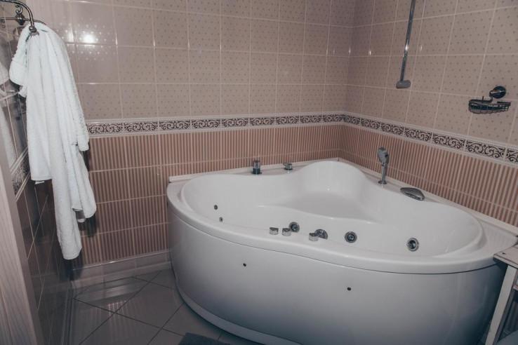 Pogostite.ru - Аурумс Континент-Au Rooms Континент | Новокузнецк | Парковка #21
