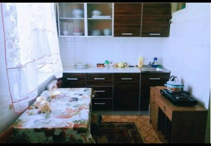 Pogostite.ru - 2-комнатные   у озера Иссык-куль   Чолпон-Ата   Парковка #3