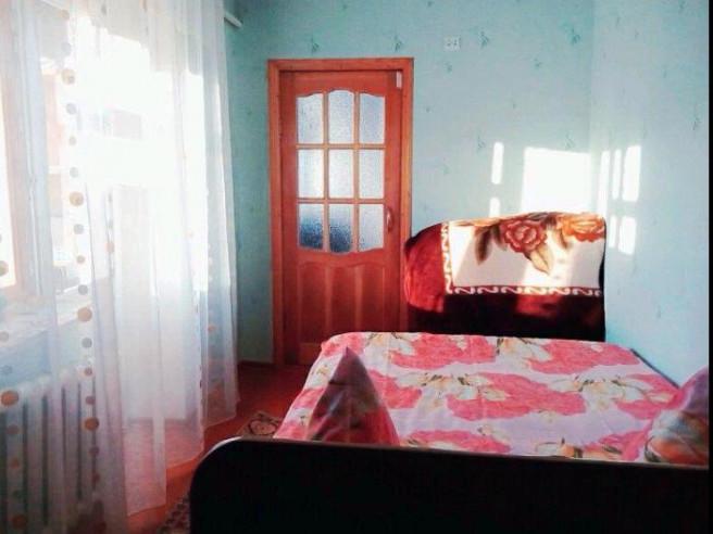 Pogostite.ru - 2-комнатные   у озера Иссык-куль   Чолпон-Ата   Парковка #1